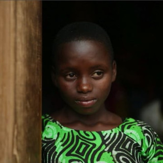 "TCHIBO &SAVE THE CHILDREN - ""YASINTE"""