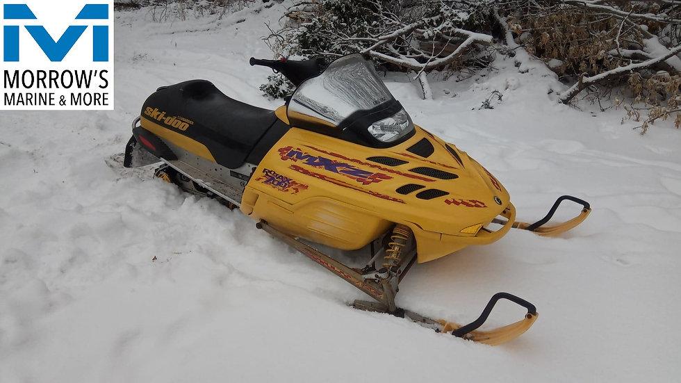 2000 MXZ 700