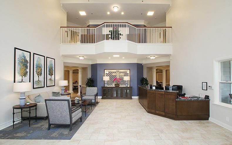 RCW_01-lobby2.jpg