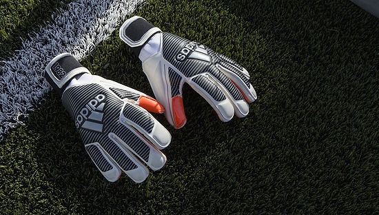 adidas-gk-history-pack-soccerbible-16.jp