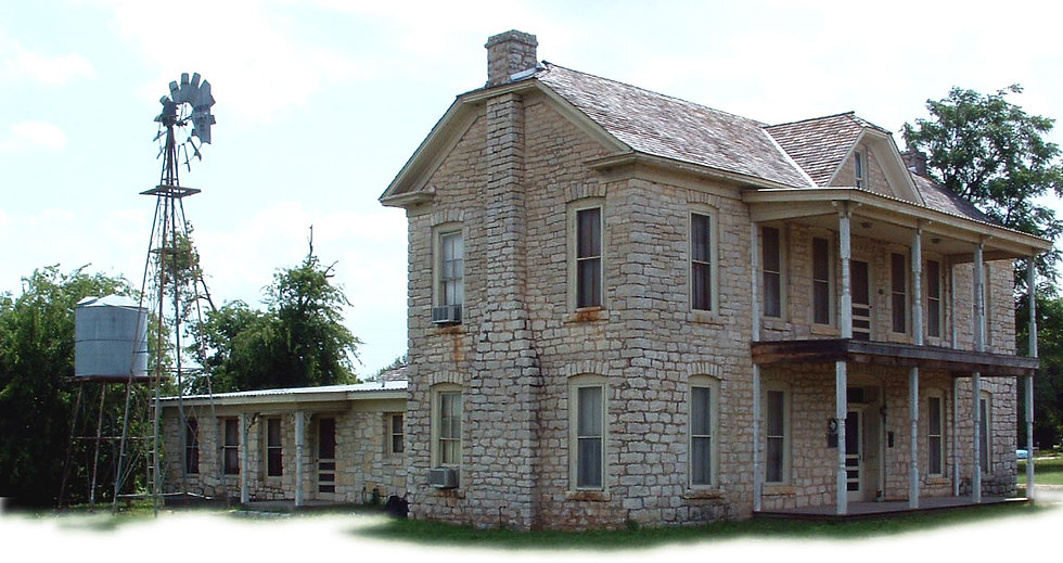 Architectural historians document the mid-19th-century Wright-Henderson-Duncan House located in Granbury, Texas on behalf of the TxDOT