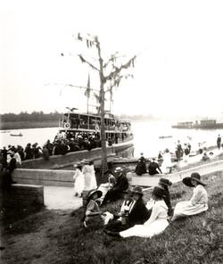 CONCRETE-FERRY-LANDING-1920