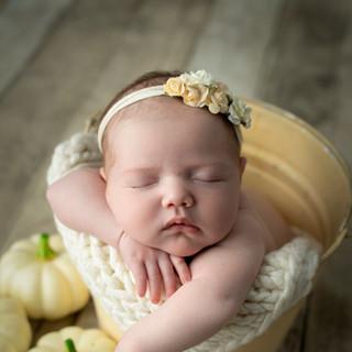 lara newborn OCT2020-197.jpg
