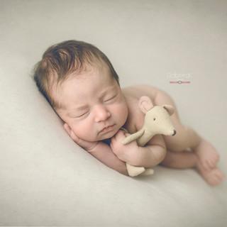 nora newborn-123.jpg