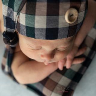 diego newborn-4.jpg