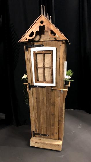 Grandpa's Hut ChittyHire