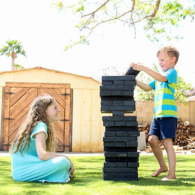 Playing-Giant-Jenga-Backyard-Games_edite