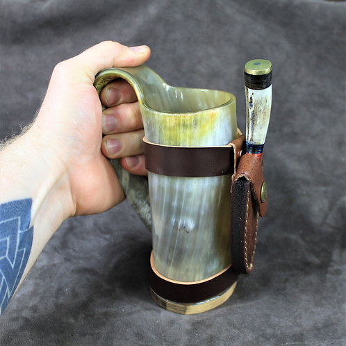Drinking horn mug, with damascus knife
