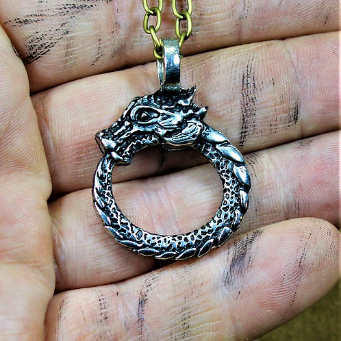 Ourobos necklace, dragon type pendant mounted on chain