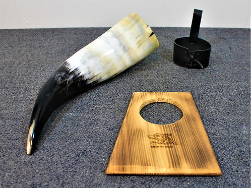 Drinking horn with stand and holster, standard size