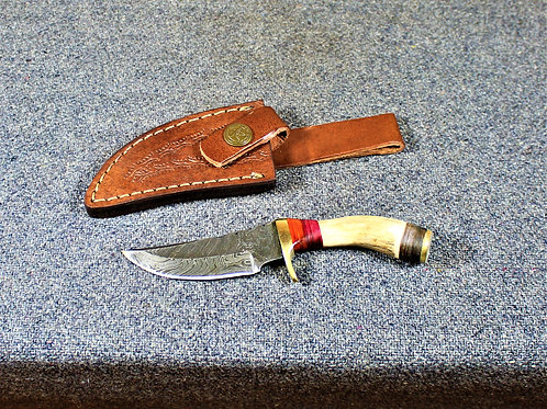 Damasucs camp knife, small, handle made of antler, with sheath