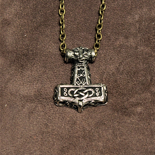 Thor's hammer necklace, small and well detailed