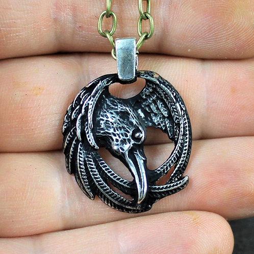 Viking raven necklace, well detailed and very eye catching