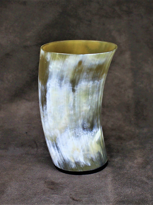 Horn drinking cup, no handle