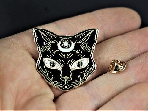 Cat, magical animal familiar pin, enamelled metal