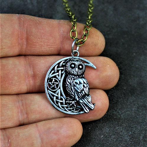 Owl necklace, Viking style knotwork moon