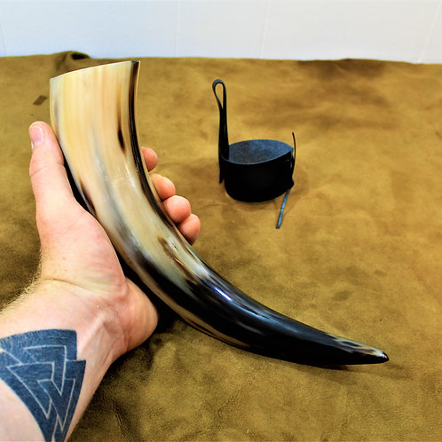 Drinking horn, standard size, caramel colors