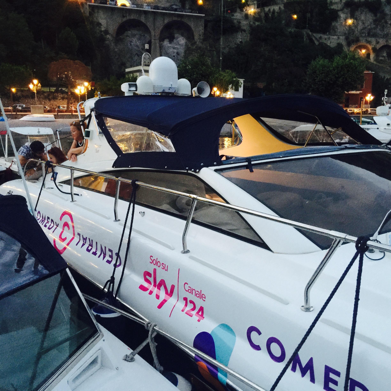 decorazione su barca sky