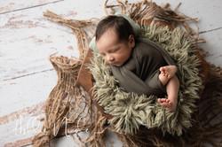 Elliot Beltran Newborn Portraits SP-01