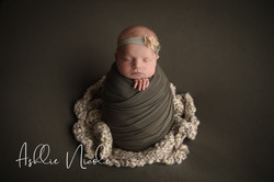 Olivia Newborn Portraits SP-04