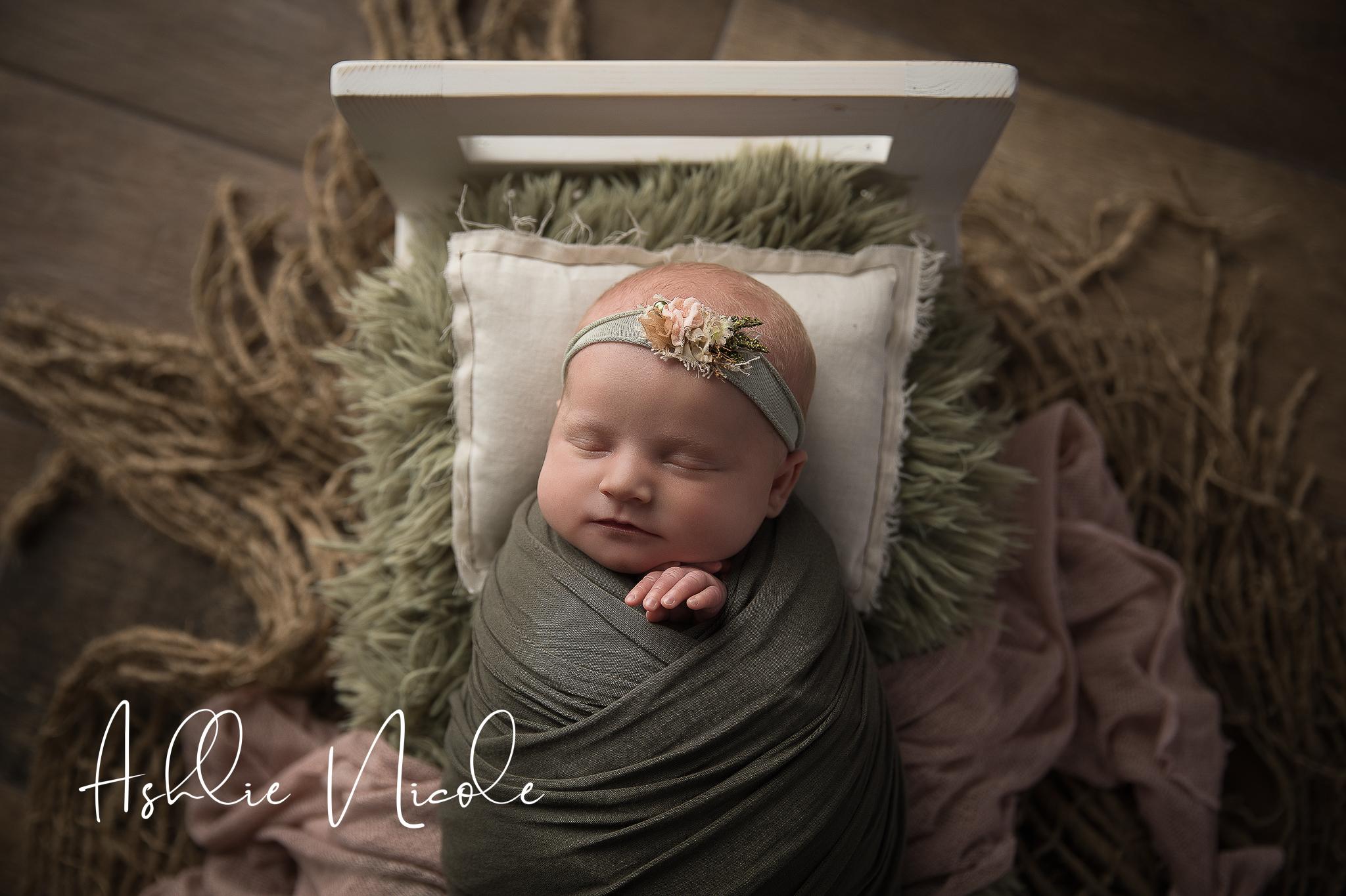 Olivia Newborn Portraits SP-03