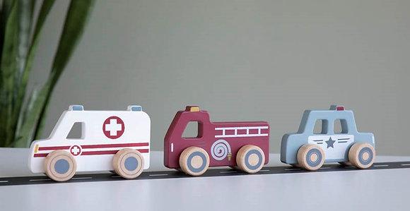 3 voitures de secours