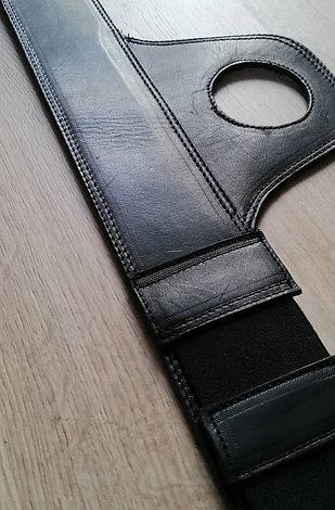 Corbata de Depósito Triumph Black / Triumph Fuel Tank Belt