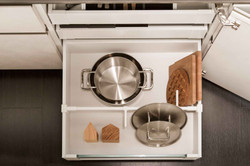 Cucina_moderna_cestone_divisore