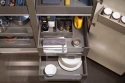 Cucina_moderna_cestone_grigio3