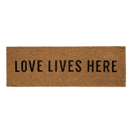 שטיח סף כניסה לבית או לבניין LOVE LIVES HERE