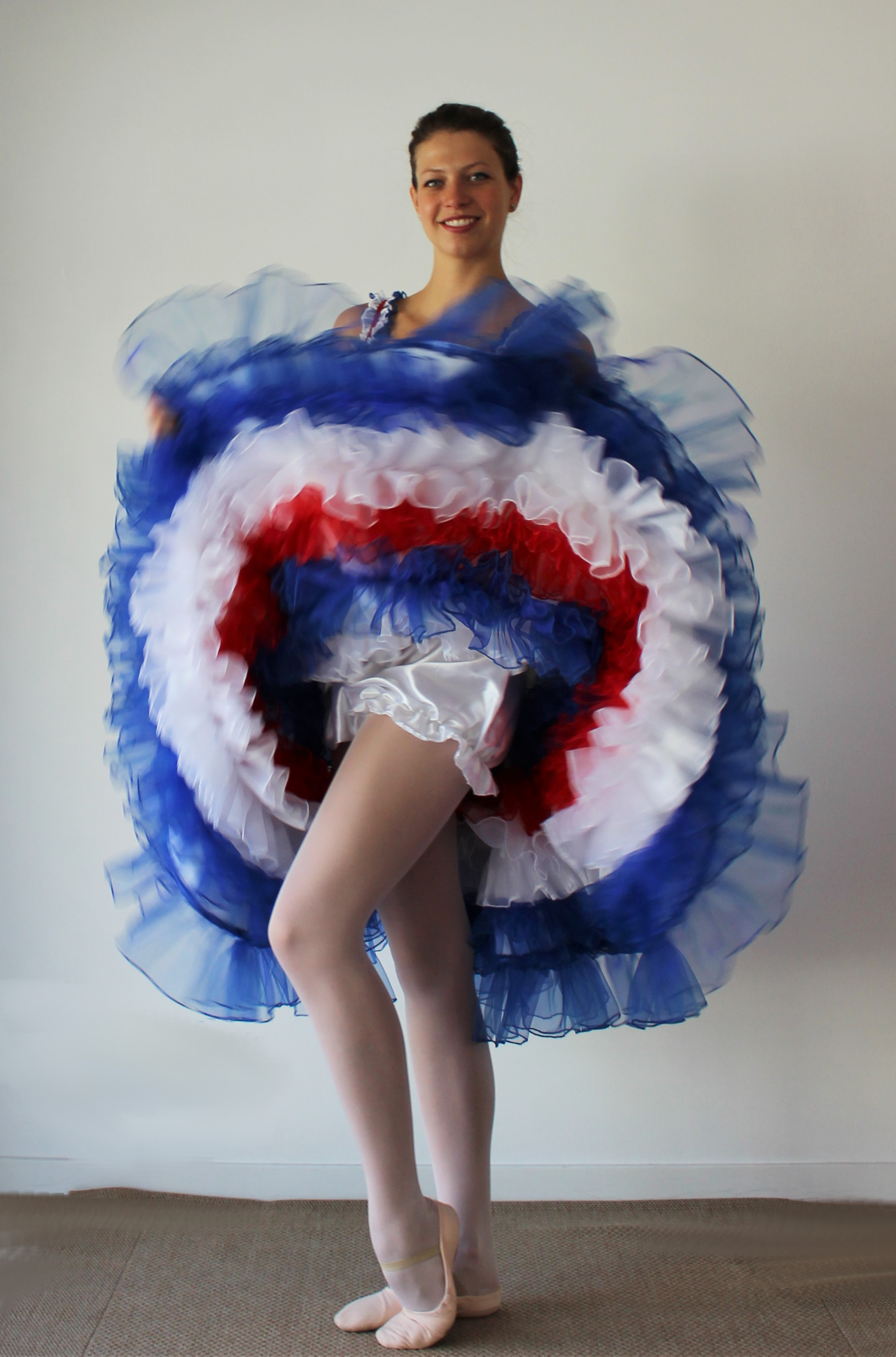 www.adc,danse.com/location,costume,danse,french,cancan