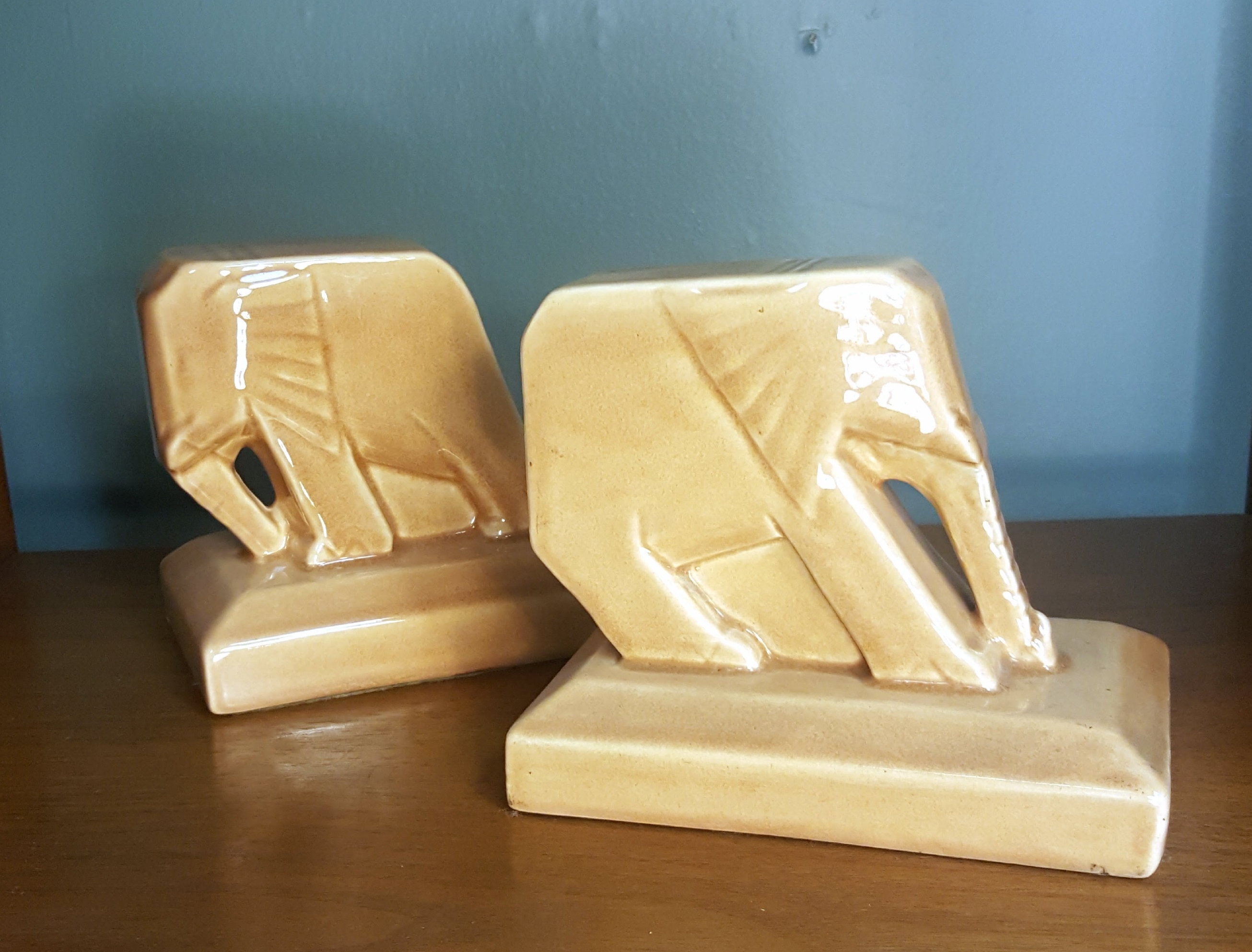 Push and Pull Bookends