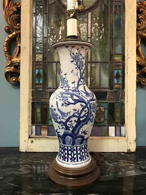 Blue/White Porcelain Lamp