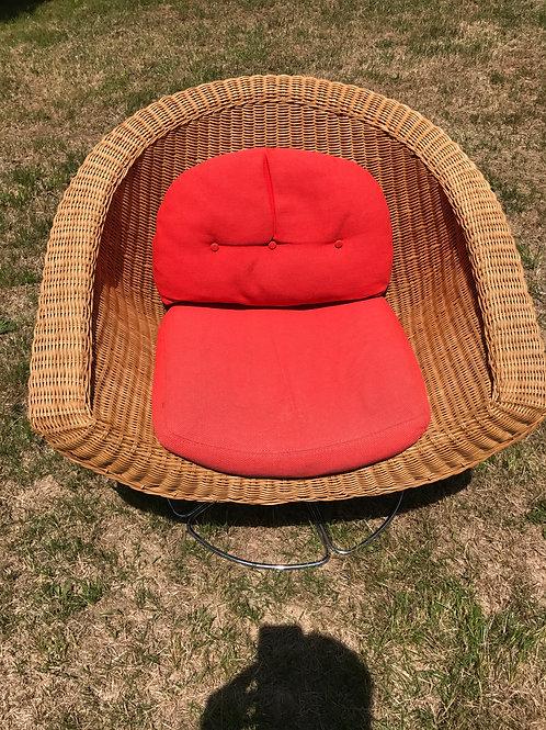 Mid-Century/Modern Wicker Chair