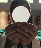 priest-eucharist-b-1200x800-1-1140x641.jpg