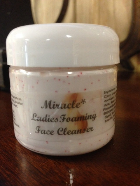 Ladies' Foaming Face Cleanser