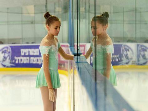תערוכת צילומים בהיכל הקרח בחולון