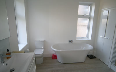 Lifestyle south side glasgow wetroom level access affordable