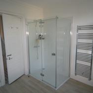 A beautiful white bathroom