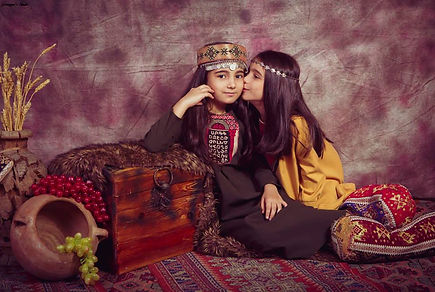 armenian-traditional-outfit.jpg