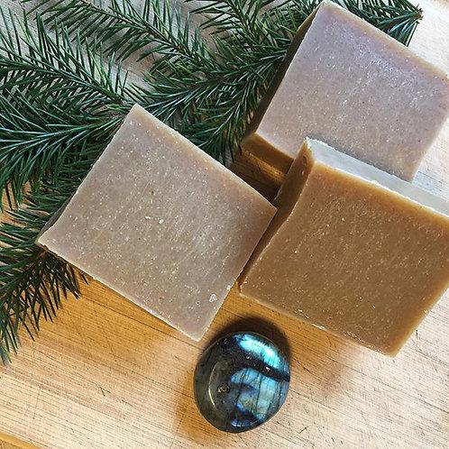 Grounding Soap: Green tea and Turmeric