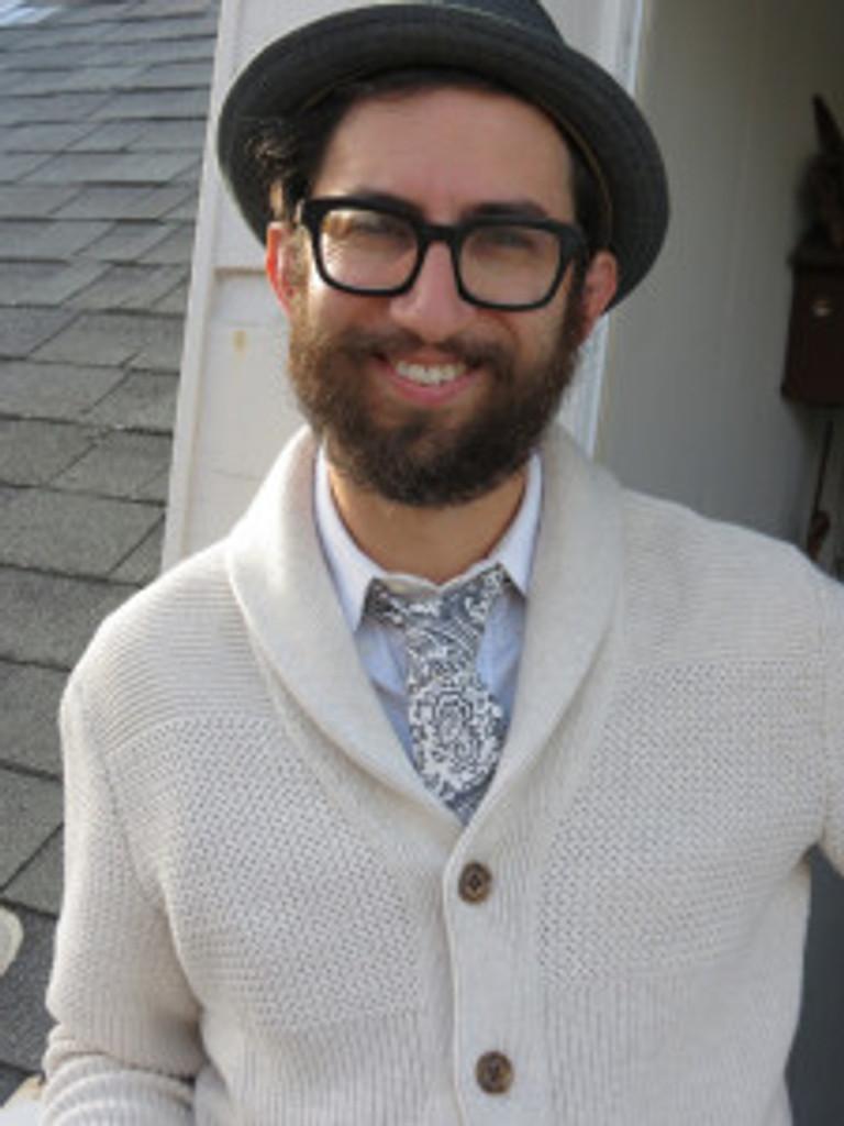 sweaterntieredpantsprofile