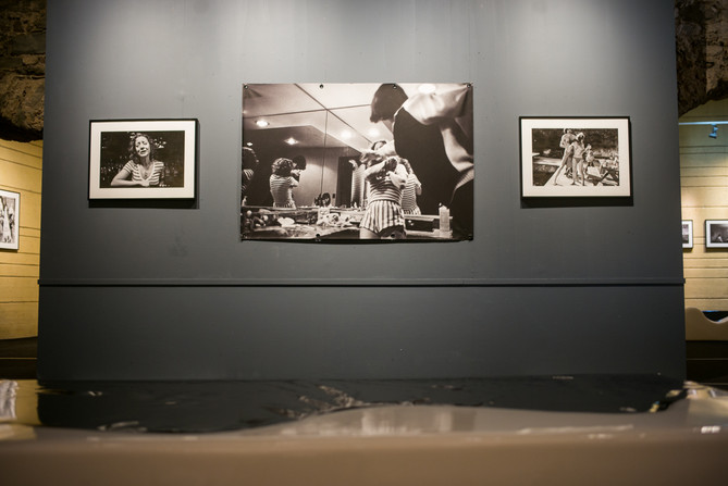 """""""American Woman"""" exhibition at Cortona On The Move shows the complicated nature of women&#"""