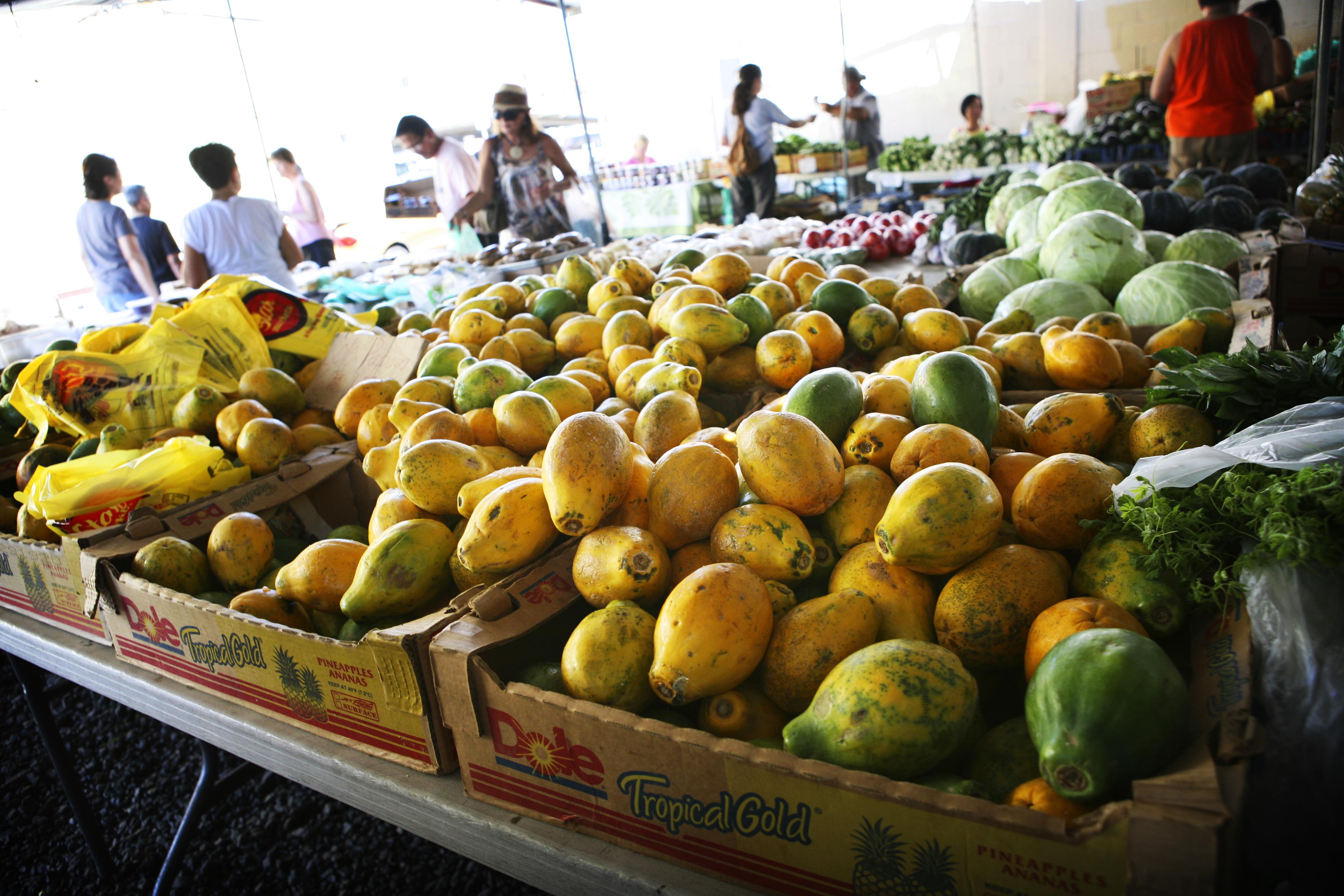 Farmers Market/ papayas