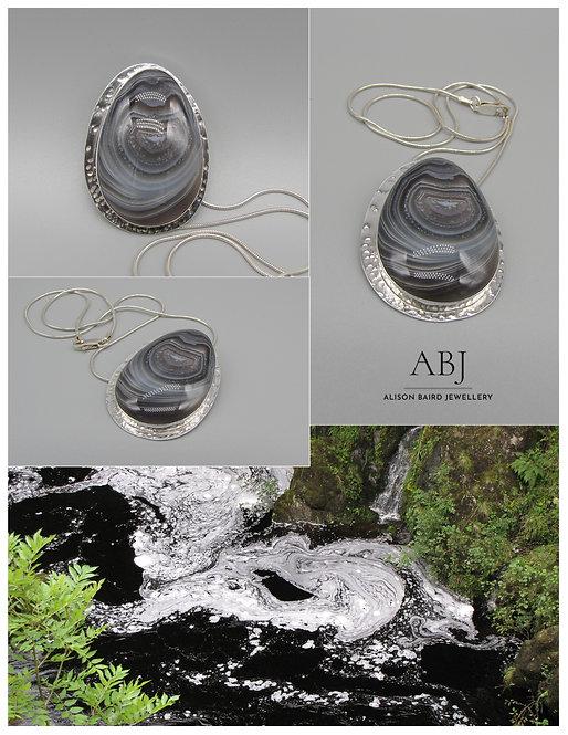Botswana Swirls pendant