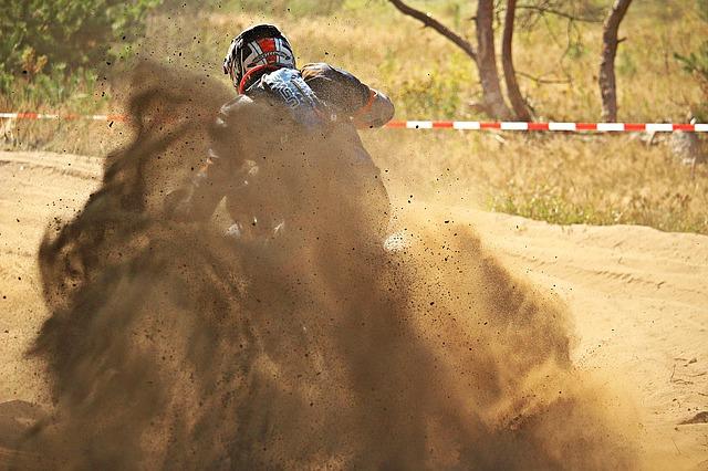 motocross-1670498_640.jpg