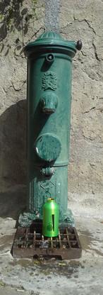 fontaine grimaud1.jpg