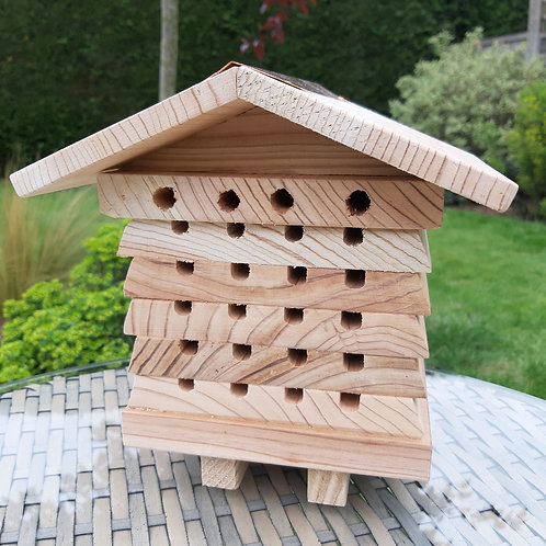 Solitary Bee Hive. Approx 19cm x 19cm x 17cm