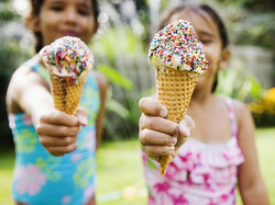 Children-eating-ice-cream