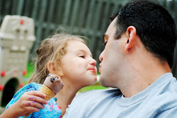 dad-daughter-ice-cream-by-GoogleImages